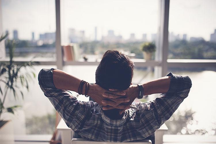 Cuando el pelo se pierde debido a un estado constante de ansiedad o nerviosismo, se llama alopecia por estrés o alopecia nerviosa.