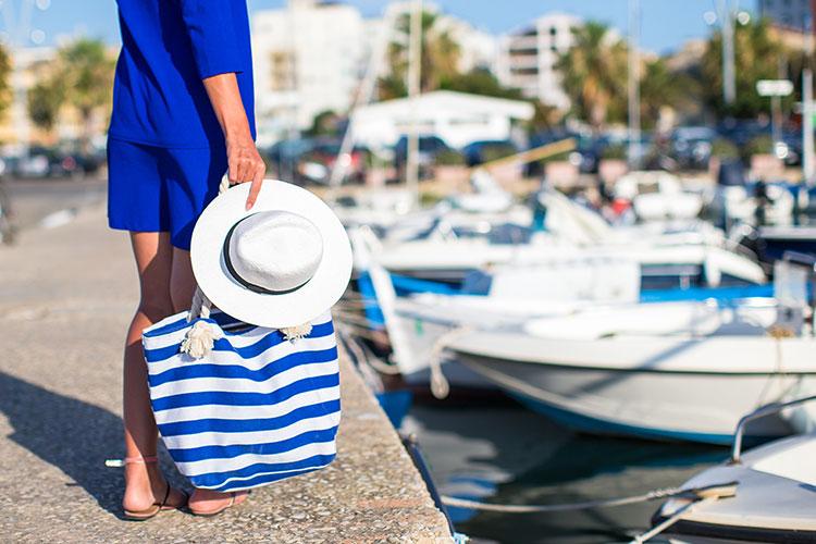 Ten en cuenta nuestros consejos, prepara bien tu bolsa y disfruta de un fantástico día en la playa sin temer las consecuencias.