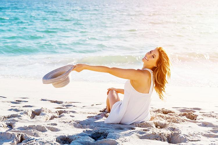 La exposición mantenida a la luz solar sin fotoprotección tiene un efecto directo sobre la piel, que puede provocar quemaduras y lesiones precancerígenas.