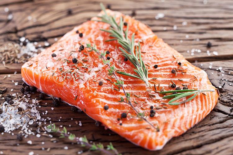 ¿Sabías que la vitamina D es la única cuya fuente fundamental de síntesis no es la ingesta alimentaria, sino que es nuestro organismo el que la produce?